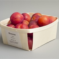 plums – wooden tray